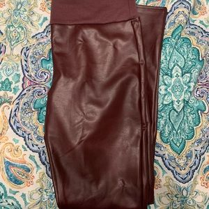 Assets by Spanx Faux Leather Leggings